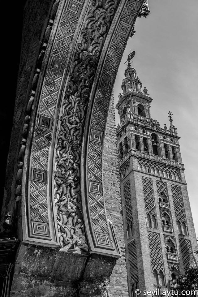 Puerta del Perdón del Patio de los Naranjos.  #Sevilla #Seville #sevillaytu @sevillaytu