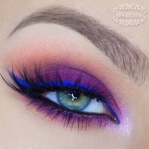 Sombra morada y delineado azul eléctrico #Makeup