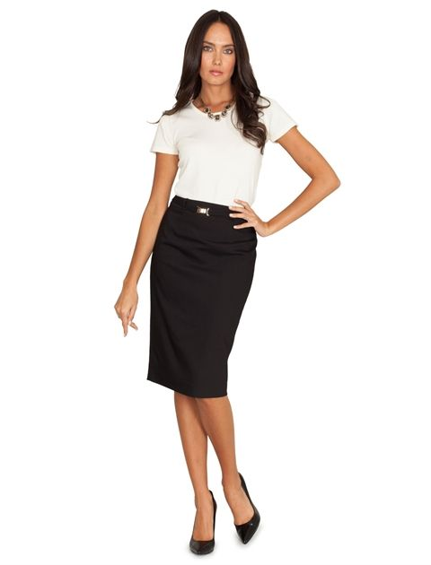 Kalem etek tarzındaki elbiseler, ofis ortamı içerisindeki en ideal tasarımlardan. Ofis modası, kalem eteklerden vazgeçmiyor. Kısa kollu elbise modellerine de gardırobunuzda yer açabilirsiniz. #maximumkart #moda #fashion #ofismodası #officefashion #kalemetek #etek