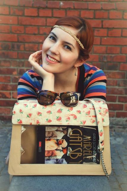 Sunshine Sarah: Bookletta - prietena cea mai buna a cartii