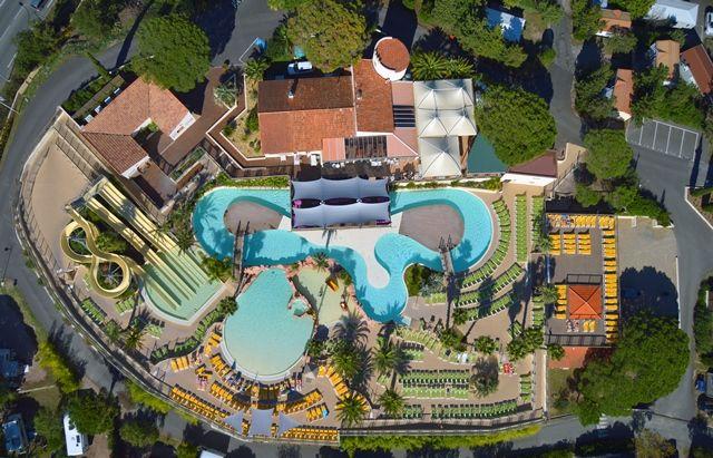 """Domaine du Colombier à Fréjus, 5 étoiles, Entre Cannes et St-Tropez: hébergements luxueux, Lagon de 3800 m², Spa, Balnéo, dîners-spectacles, animations... / Domaine du Colombier Fréjus, ***** rating, situated between Cannes and St-Tropez: luxury accommodations, a 3800 m² """"Lagoon"""", a beautiful Spa and Balneotherapy, dinner shows, entertainment...   #Domaineducolombier"""
