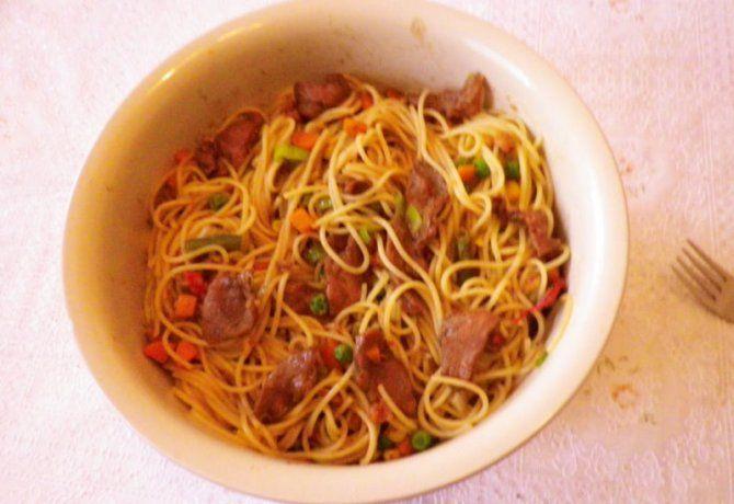 Kínai kacsás-zöldséges tészta