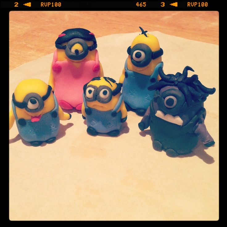 Minion family for cupcakes