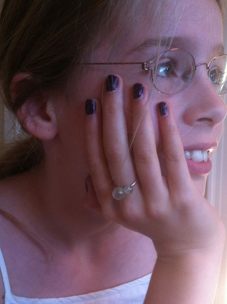 Twin Drop ring in silver with prehnite and rock crystal on the beautiful hand of my daughter