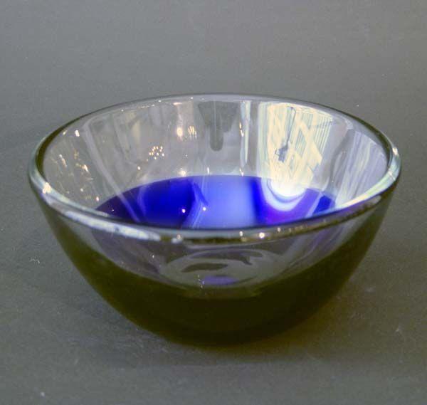 Krystallskål I blått og klart glass, Hadeland, Willy Johansson. Munnblåst.
