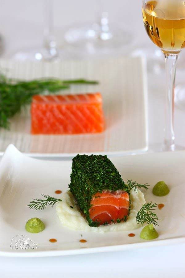 Salmón con hierbas aromáticas y crema de coliflor Read more at http://www.bavette.es/pescados-mariscos/5819-salmon-con-hierbas-aromaticas-y-crema-de-coliflor/#fYzM8U7ir17UrhC8.99