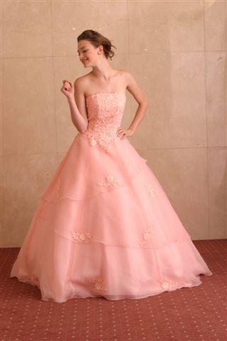 ピンクのマタニティ用ウェディングドレス・花嫁衣装まとめ一覧です♡