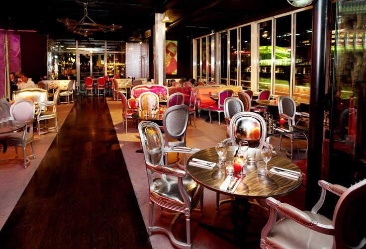 Le cafe barge on mange et on dance toute la nuit for Restaurant atypique