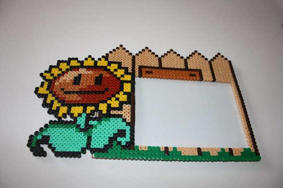 Photo frame Plants vs. Zombies Sunflower hama perler beads by DecorarteLeon
