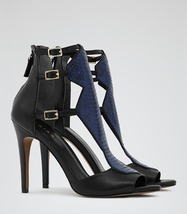 Sandały na obcasie z kobaltową wstawką z imitacji skóry jaszczurki - Reiss, 821zł http://www.reiss.com/eu/womens/reiss-sale/shoes/brompton/cobalt/#
