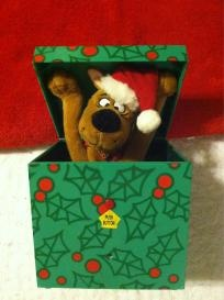 Musical Christmas present Scooby Doo in box ships free