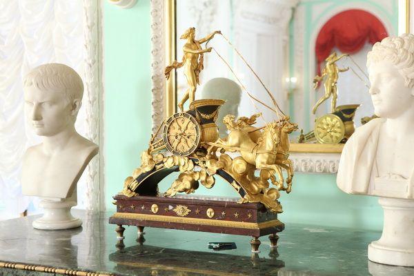 "Часы ""Колесница Аполлона"",  по рисунку Ж.-Д. Дюгура. Франция конец XVIII века."