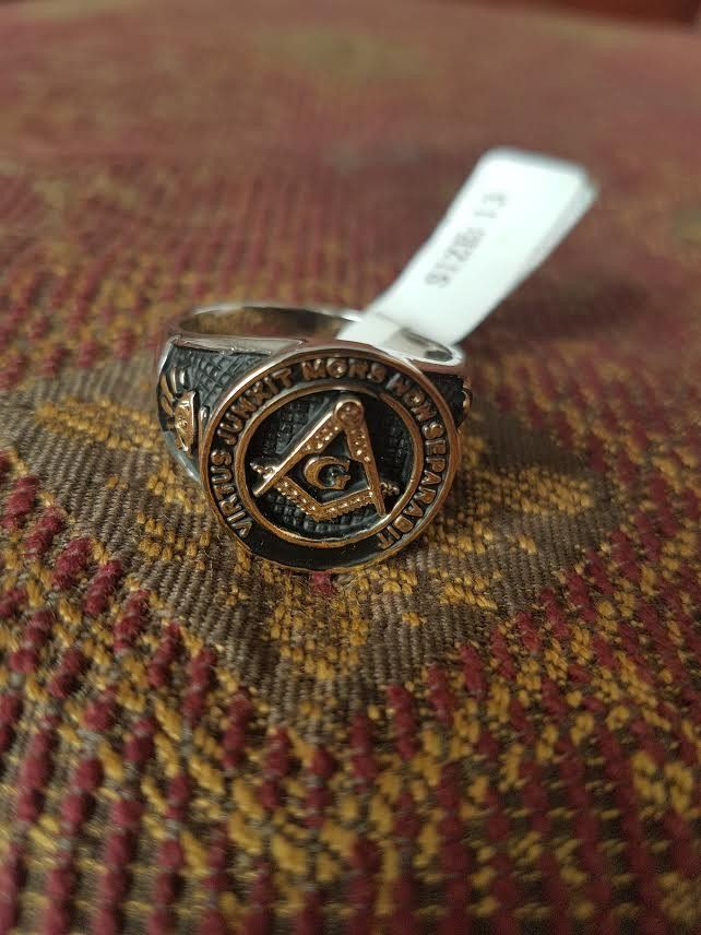"Freemason Ring - ""What Virtue Joins"""