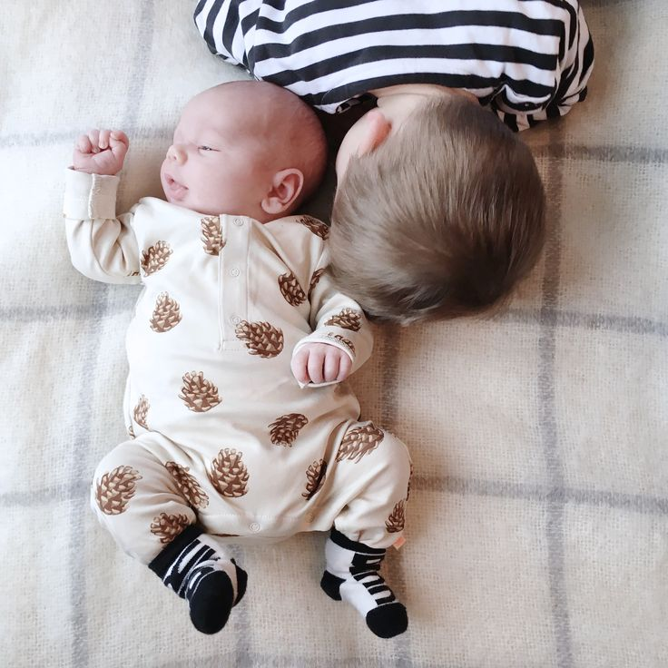 The First Six Weeks With Two | Chalk Kids Blog