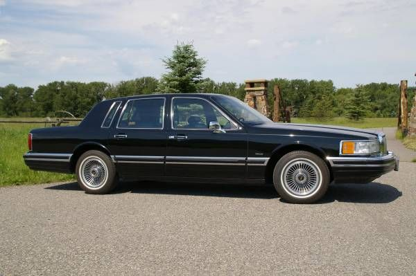 9,500 Mile & One Owner 1990 Lincoln Town Car