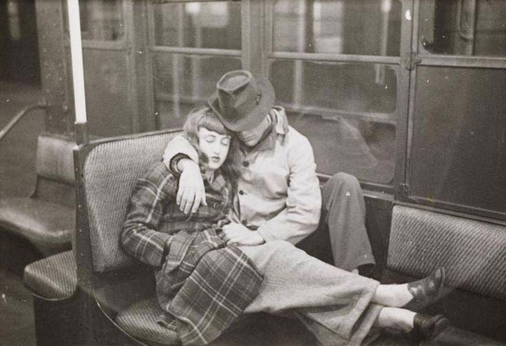 Photos du métro de New York en 1946 par Stanley Kubrick - http://www.2tout2rien.fr/photos-du-metro-de-new-york-en-1946-par-stanley-kubrick/