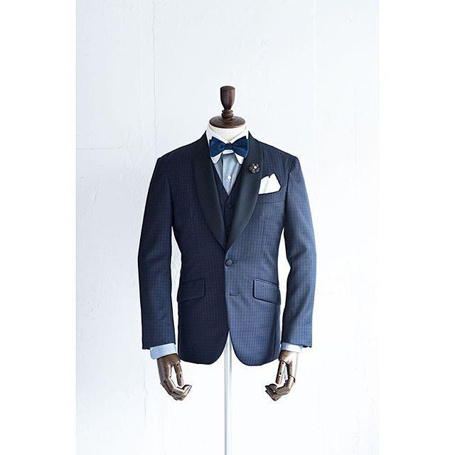 新郎衣装|ショールカラーのネイビーカジュアルタキシード : 結婚式の新郎衣装に関するお話|カジュアルウェディングまとめ