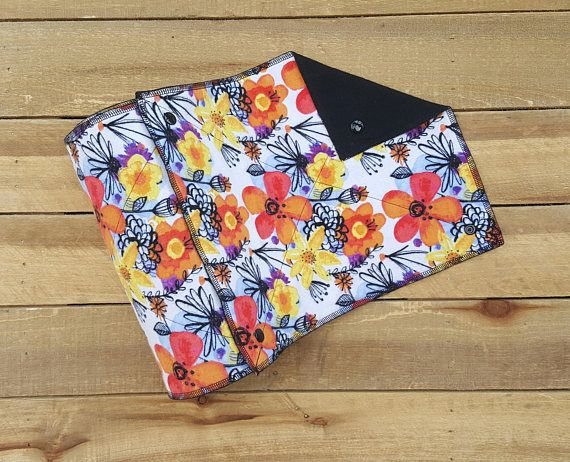 REUSABLE PAPER TOWELS MADE TO ORDER! These Un-paper towels are made with soft absorbent flannel in a fun floral print! These towels can be used as napkins, place-mats, bibs, superhero capes and they make great soft towels for wiping little ones faces! Each towel attaches to one another