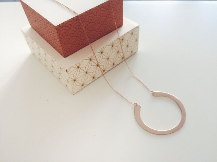 Rose gold necklace on www.goldentiara.gr