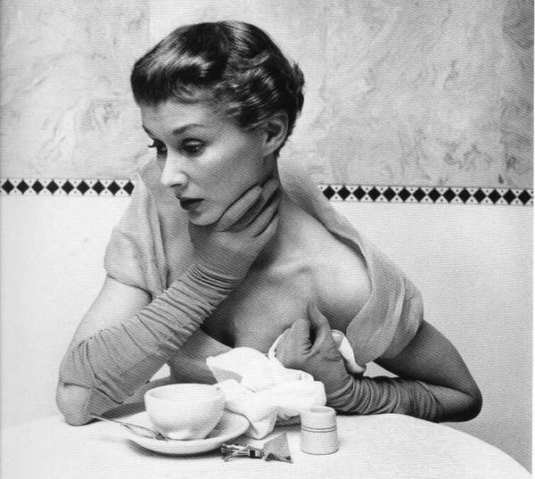 Lisa Fonssagrives by Irving Penn 1949