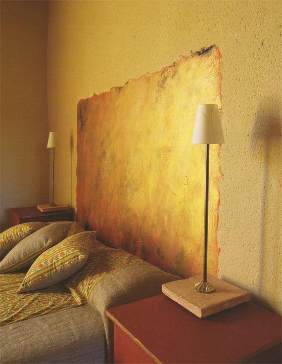 metallic gold wall via plum siena