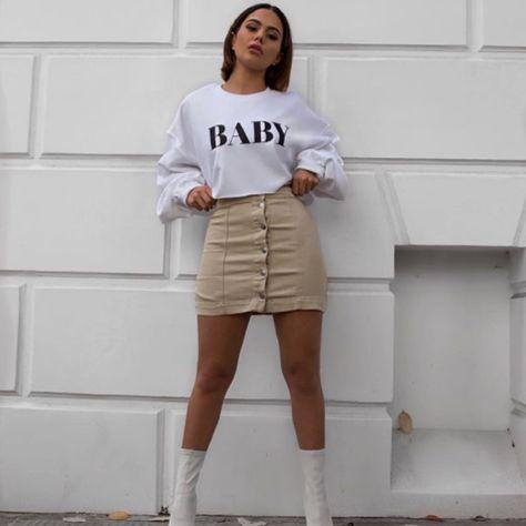⚠⚠yung baddie.                     just fucking fllw me @baddhabittz⚠⚠