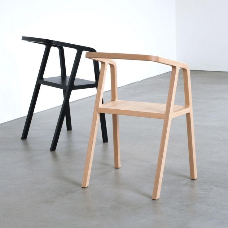 Стильный стул A-Chair разработан австрийским дизайнером Томасом Фихтнером (Thomas Feichtner) в сотрудничестве с Bildraum Bodensee и Werkraum Bregenzerwald. Если рассматривать стул со стороны, то его силуэт напоминает букву «А», отсюда и его необычное название.