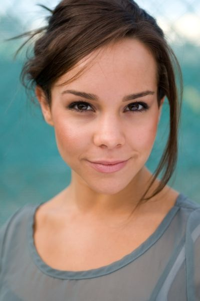Dena Kaplan, who plays Abigail, the best character (Oh yes she is) in Dance Academy, so there!