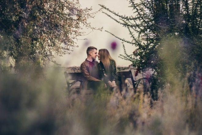 4 Besos Que Solo Dará Un Hombre Enamorado En 2020 Hombre Enamorado Enamorada Relaciones De Pareja Felices