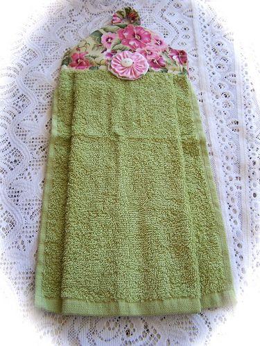 Pretty hanging towel.   Flickr: Intercambio de fotos