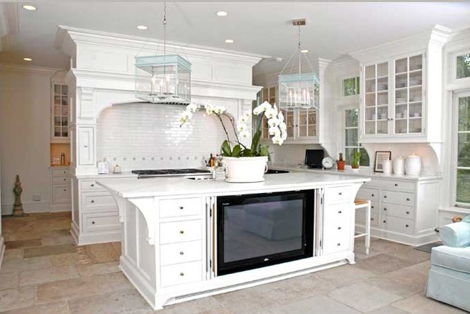 gorgeous kitchen!!! House of TurquoiseHidden Tv, Tv Cabinets, White Kitchens Cabinets, Subway Tile, Marbles Countertops, Kitchens Islands, Tvs, Bar Stools, Kitchen Islands