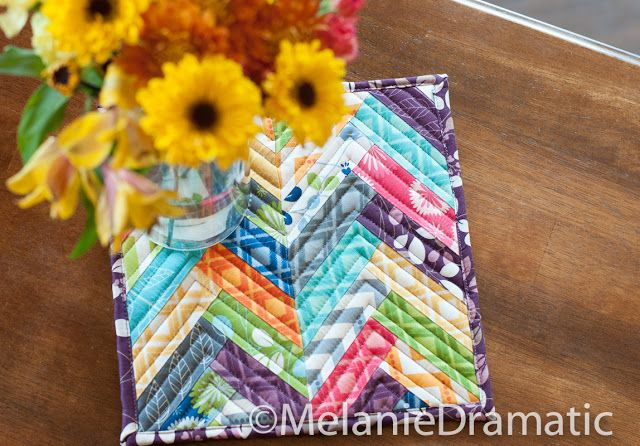 Tutorial: Herringbone Hot Pads from Moda Bake Shop - My friend has been wanting to try doing a Herringbone design, this would be a great into!
