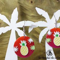 Boucles d'oreilles: ananas jaunes sur fond dégradé rouge orange