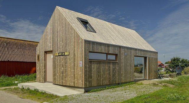 Eco-friendly Artist's house clad in Kebony, http://prolandscapermagazine.com/eco-friendly-artists-house-clad-in-kebony/,