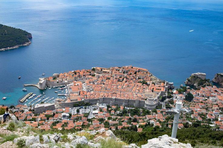 Du planst einen Kroatien Urlaub und willst auch Dubrovnik besuchen? Hier findest du die besten Dubrovnik Sehenswürdigkeiten und Tipps für deine Reise.