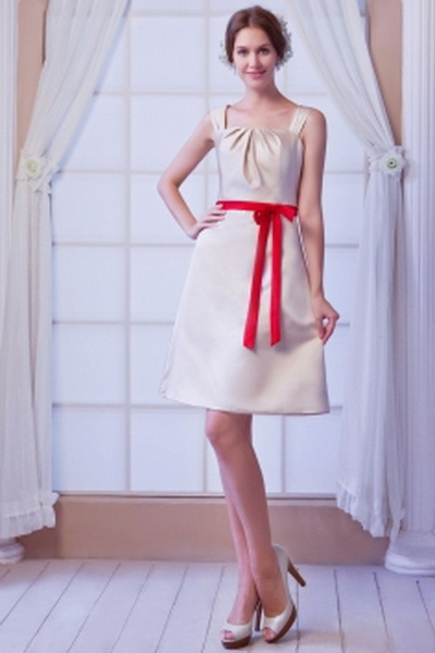 Satin Ivoire Robe De Demoiselles D'Honneur Bowknot rs2679 - Tissu: Satin, Décolleté: Carré, Silhouette: Gaine / Colonne; Fermeture: Fermeture À Glissière - Price: 112.9900 - Link: http://www.robesoirees.com/satin-ivoire-robe-de-demoiselles-d-honneur-bowkn