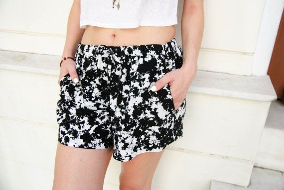 FLORIDA shorts- Lightweight shorts. Elastic waist shorts. Shorts with waist tie…