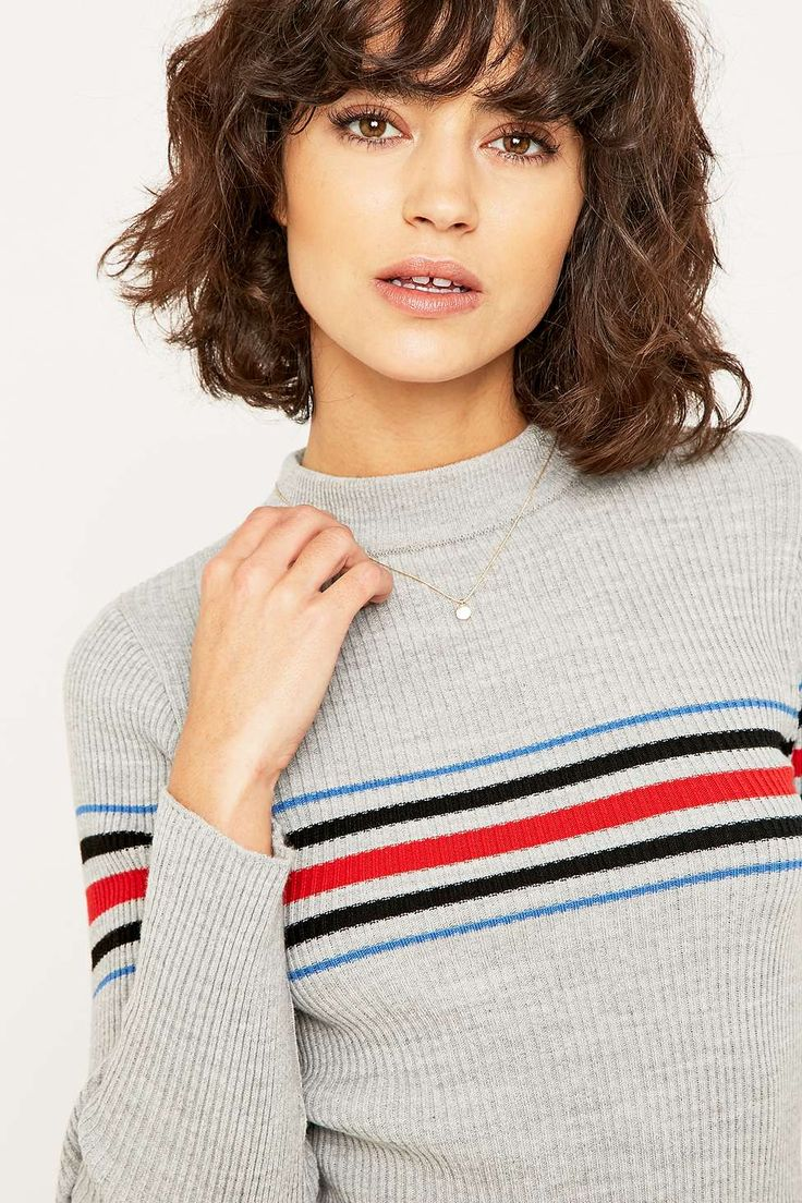 Pull col cheminée à rayures / Urban Outfitters / 45€