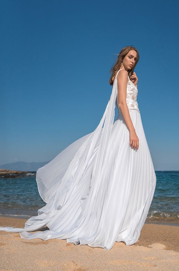 d58646e67125 Υπεροχα νυφικα φορεματα για καλοκαιρινο γαμο