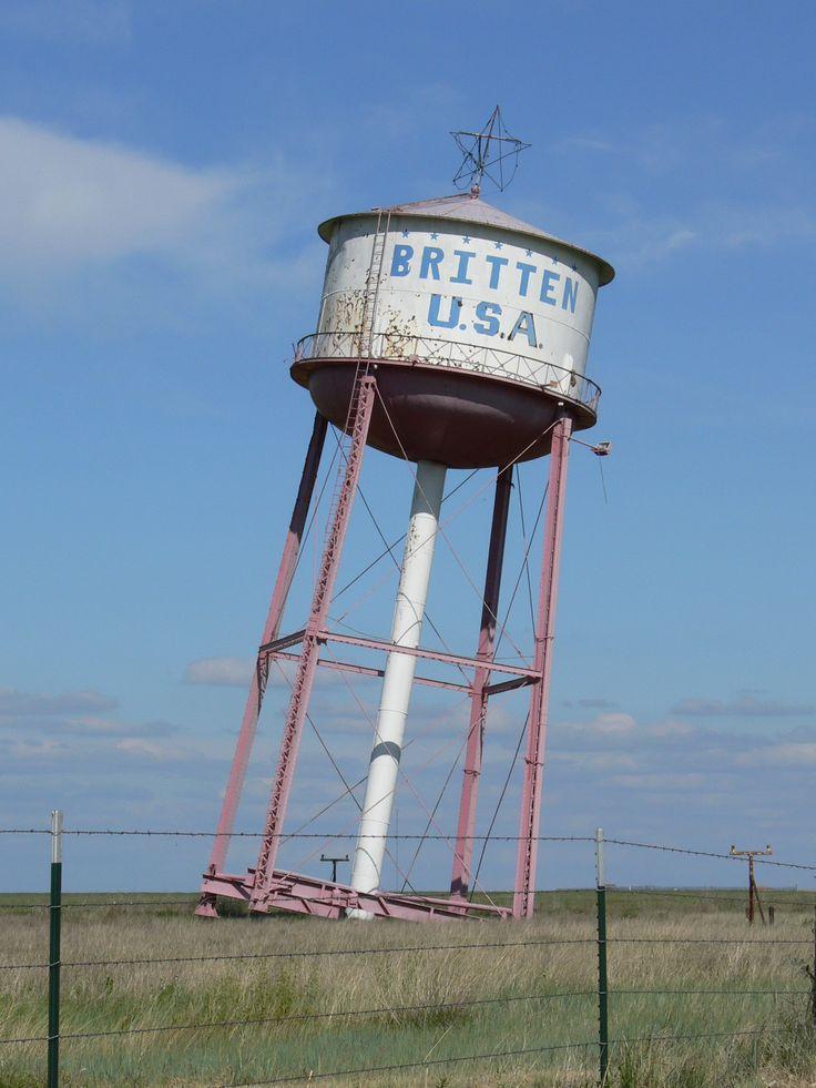 Leaning water tower Groom TX American