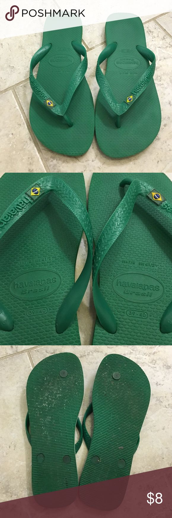 Havianas Brazilian Flip-flops Worn green 39-40 Havianas flip-flops. Fits an 8.5 perfectly. Very comfortable and minimally worn to the beach. Found myself wearing my white and black ones more than the green. Smoke free home. Offers always welcome! Havaianas Shoes Sandals