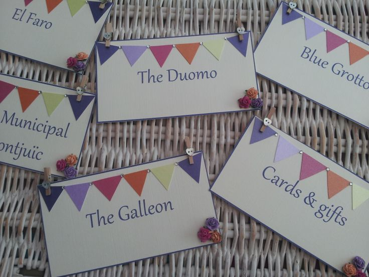 Bright bunting table names