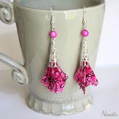 Boucles d'oreilles tissu liberty berry rose fuchsia - perle cône dentelle argenté - crochets hameçons