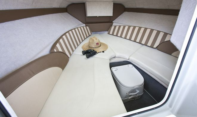 New 2012 Bayliner Boats 192 Discovery Cuddy Cabin Boat