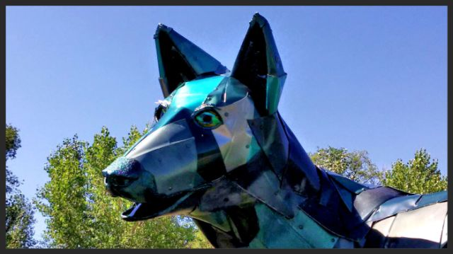 Now that the Blue Gorilla is gone, say hi to the Green Coyote - http://streetiam.com/now-that-the-blue-gorilla-is-gone-say-hi-to-the-green-coyote/