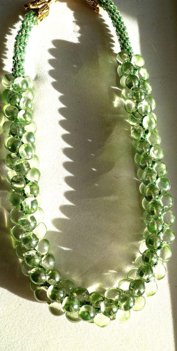 glazen parels aan een kumihimo-ketting Beaded Kumihimo necklace - Green Goddess glass mushroom beads on Etsy, $180.00