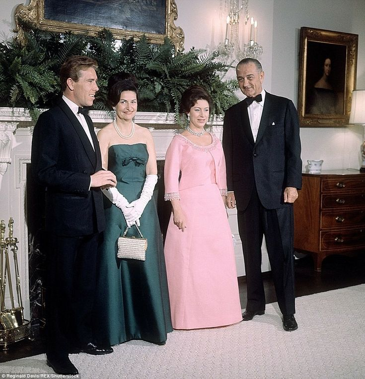 1965 Margaret And Tony At The White House With The