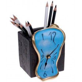 E un suport, e un cub, e un ceas!  -  Ceas cu suport de creioane Figueras - Antartidee