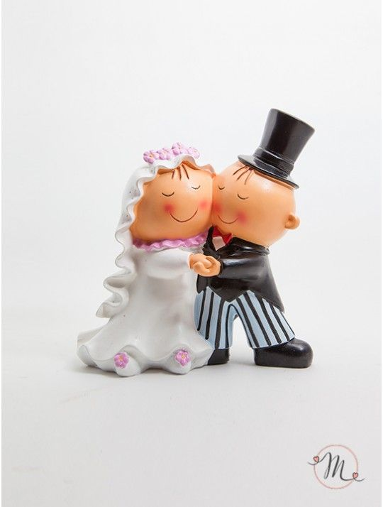 Cake Topper Sposi Danzanti. Impreziosisci la tua torta nuziale con questo romantico cake topper. Gli sposi sono alle prese con il primo ballo da marito e moglie. Sono innamorati, felici e pensano serenamente a cosa li aspetti in futuro. Pit & Pita® Collection originale! Misura: Altezza 15 cm. #caketopper #cake #topper #wedding #matrimonio #weddingideas #ideasforwedding #figurastartanuptcial #hochzeitcaketopper #weddingday
