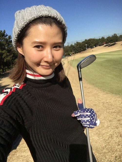 ゴルフする時のウェアは 必ずゴルフウェアブランドじゃなきゃ いけないなんて決まってないから カジュア